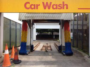 Tvätta bilen och spara pengar