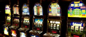 Är spel på nätcasinon mer beroendeframkallande än spel på ett fysiskt casino?